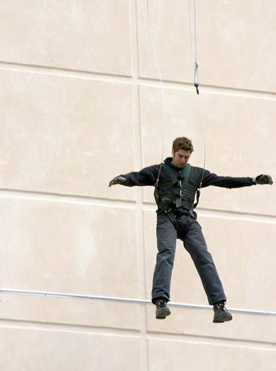 Tory Belleci falling in a harness
